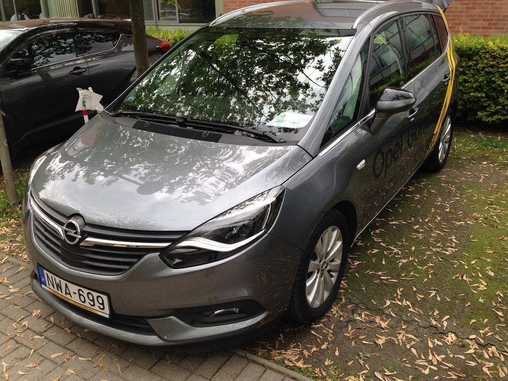 Opel Zafira teszt