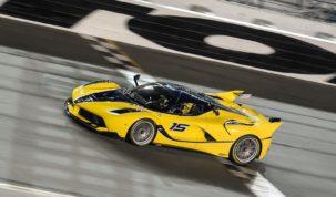 Női Ferrari sofőr