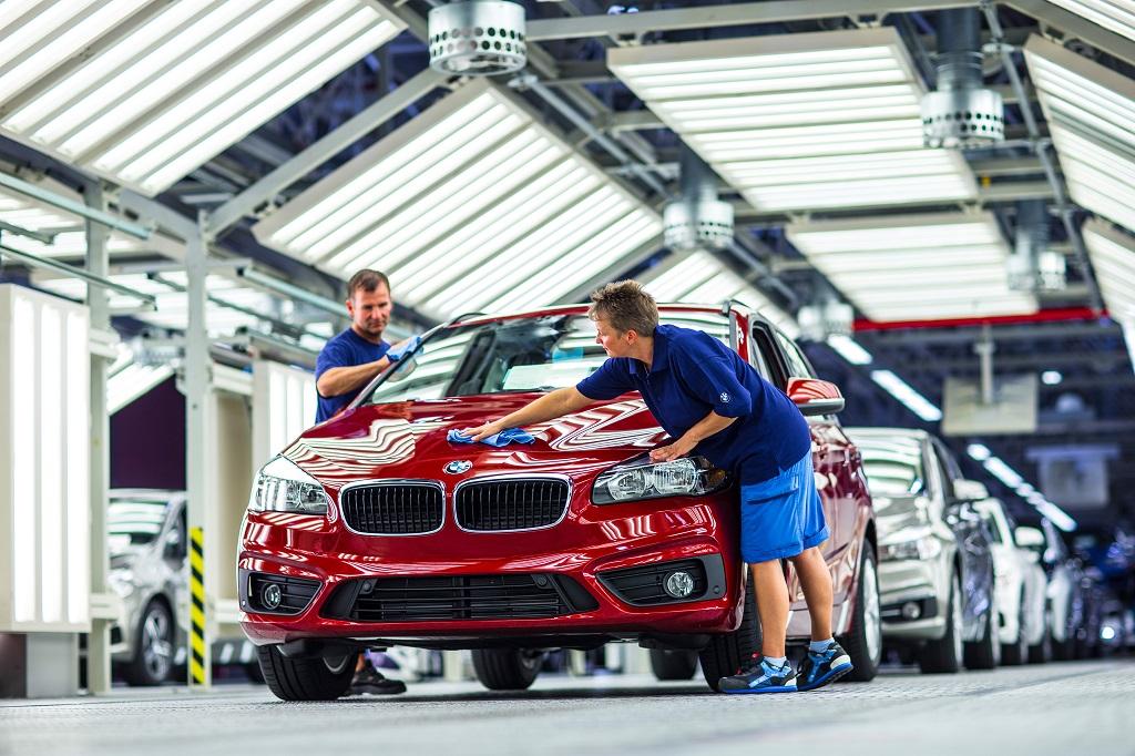 BMW 200 millió eurós beruházás