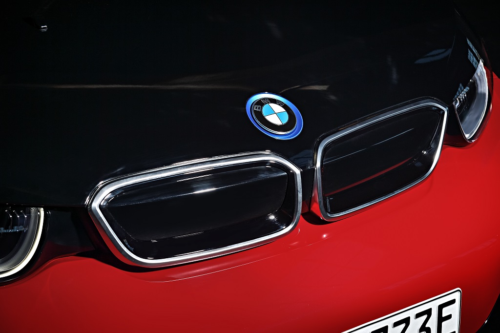 Bemutatkozik a BMW i3s