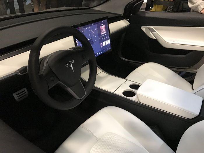 első 30 Tesla 3