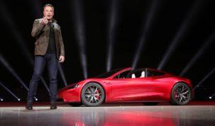 Mindenki a Tesla után lohol