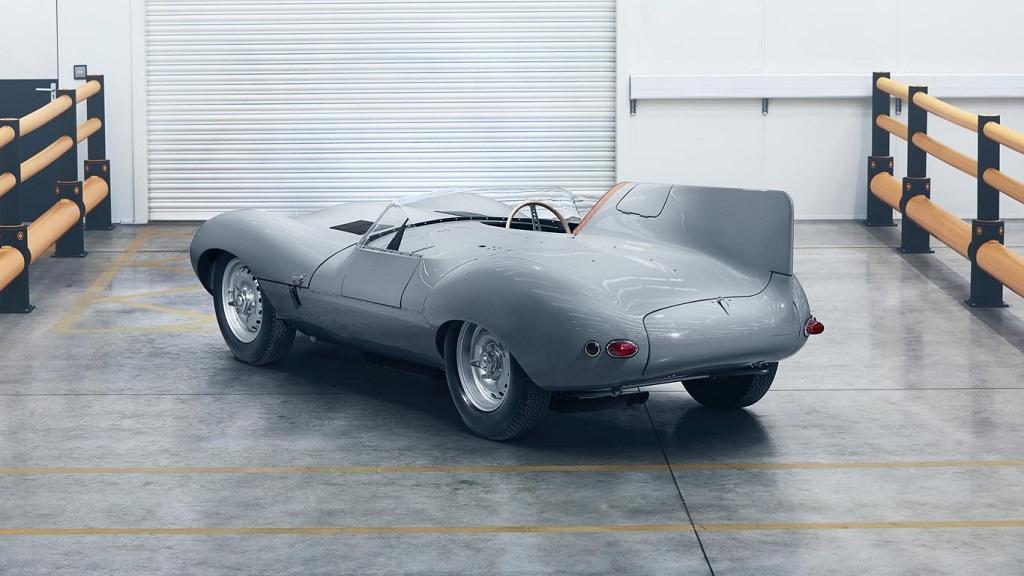 Jaguar D-type újra töltve