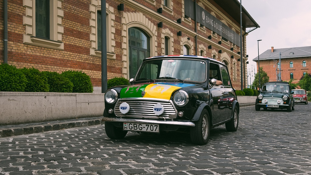 kilenc klasszikus Mini
