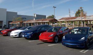 Tesla Model 3 jobban fogyott Kaliforniában