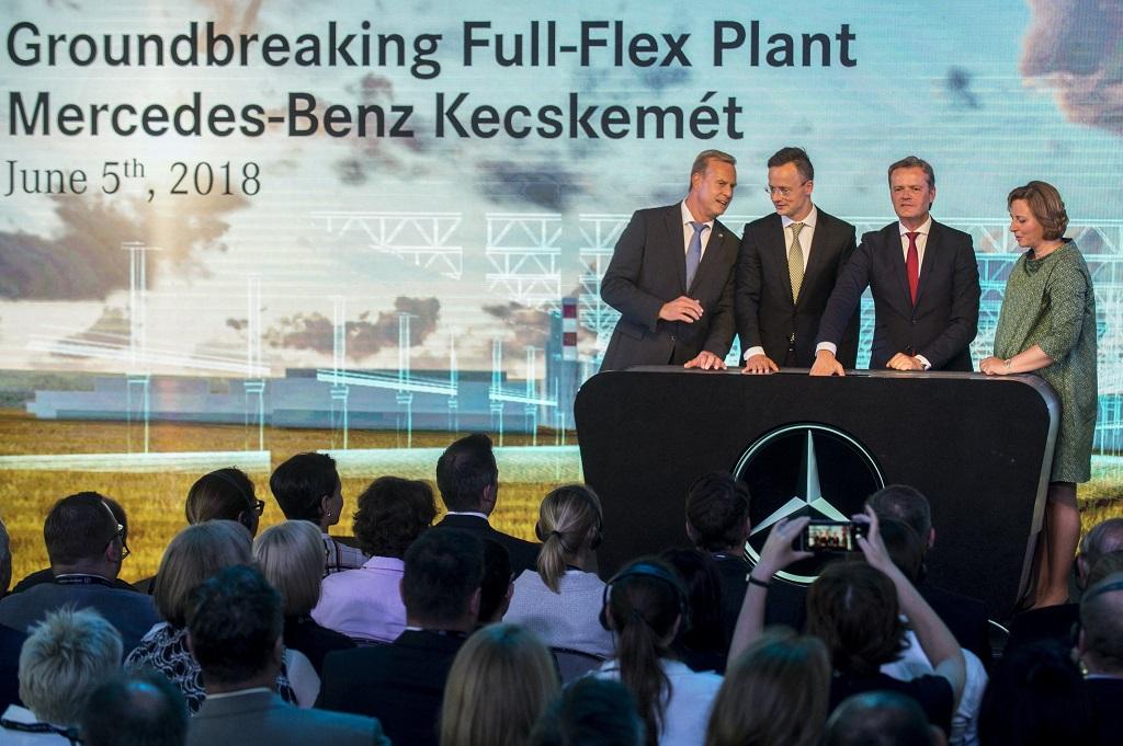 Mercedes új autógyárat épít