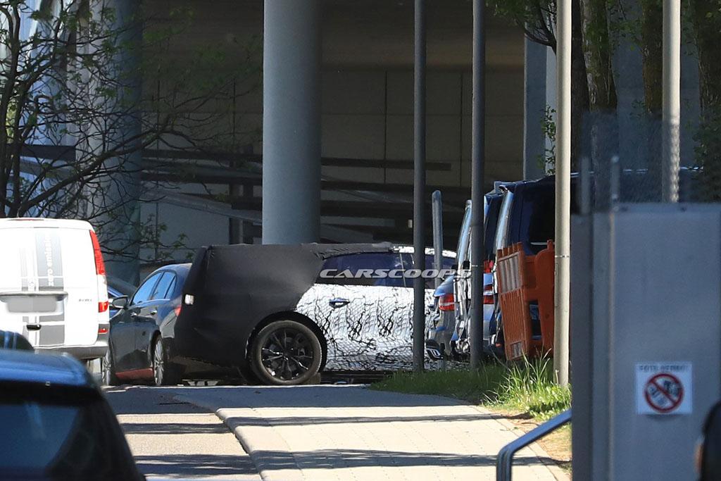 Kémfotón a Mercedes EQS