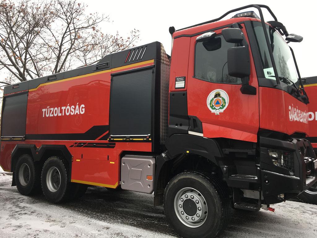 Ha tűzben jársz, nem égsz meg – Új járműveket kapott a katasztrófavédelem