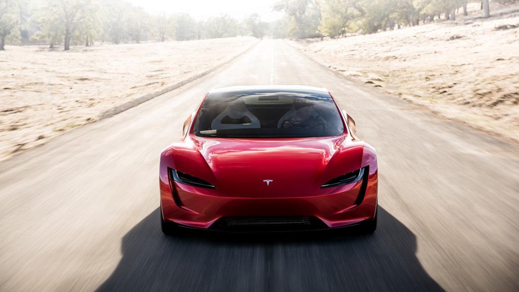 Tesla az úton, vagy inkább felette?