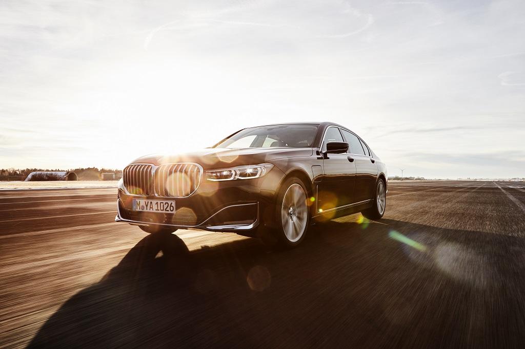 új BMW 7 plug-in hibrid