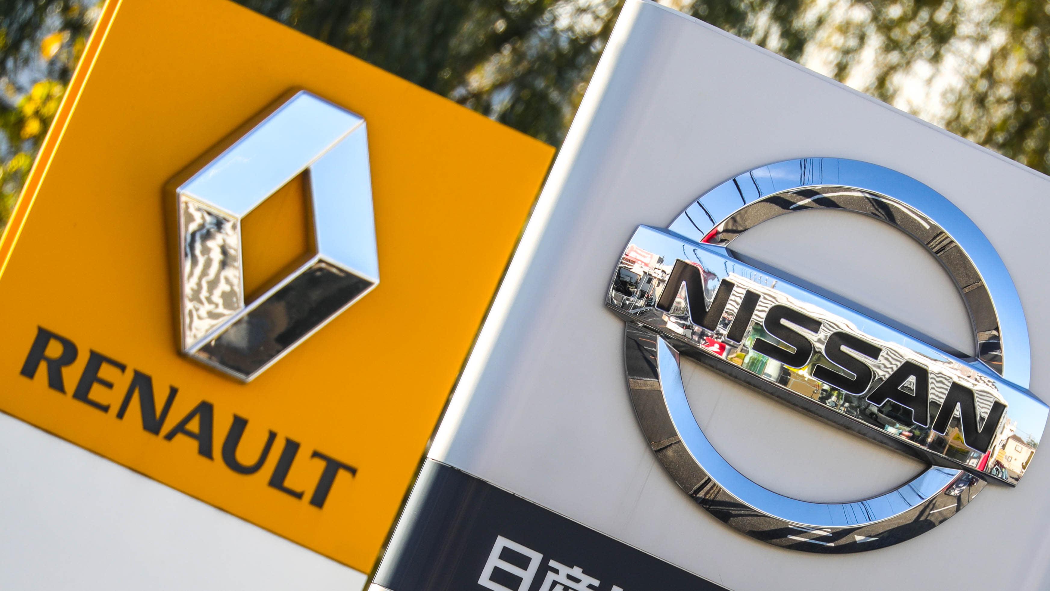lejtőn a Renault