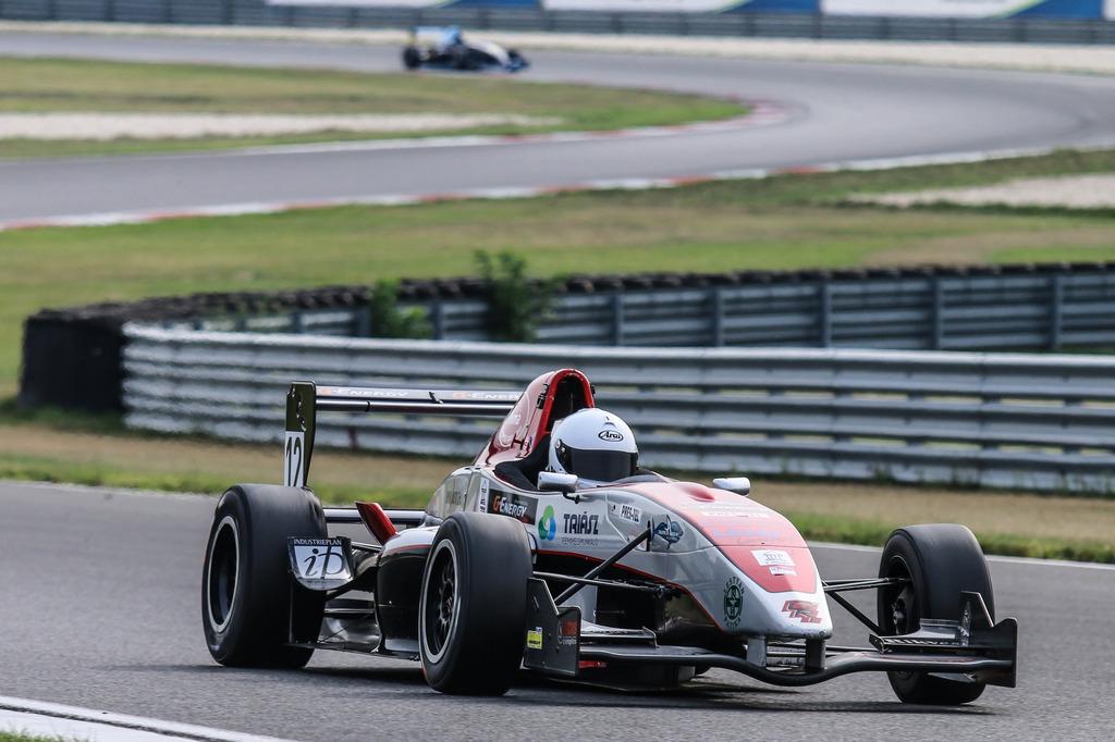 Formula 3 Gender Racing Team Szabó Nikolas Hefler Róbert Szomszéd Lali