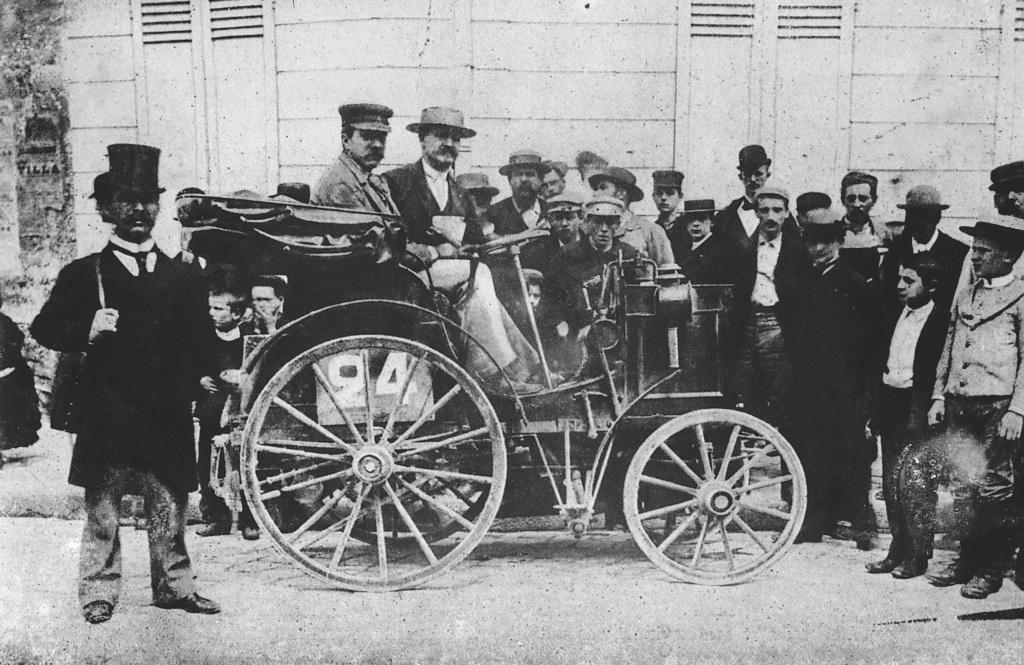 Mercedes kormányának története