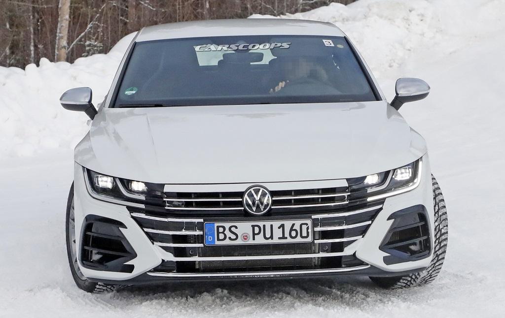 VW Arteon kémfotók