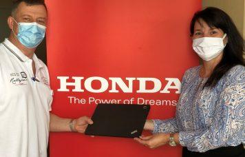 Számítógépeket ajándékozott a Honda